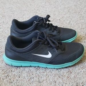 Nike free run shoes